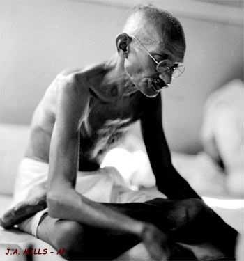 Gandhi...aux enchères ! dans Histoire 01